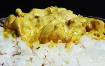 Poulet au curry et lait de coco - Malicia Flore
