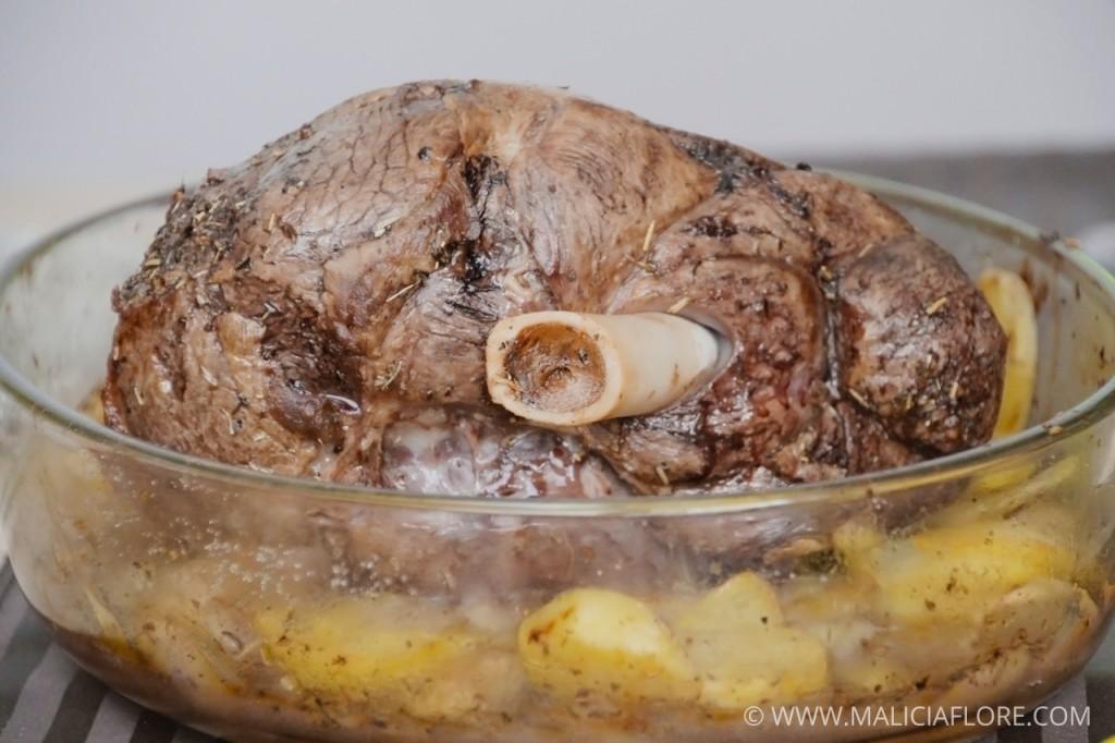 Gigot d'agneau et ses pommes boulangères